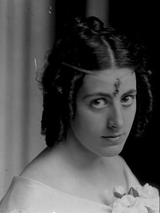Margaret Stonborough-Wittgenstein - Photo by Ferdinand Schmutzer (1903)