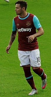 Mauro Zárate with West Ham in July 2015.jpg