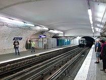 Metro paris station george v.jpg