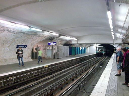 Metro paris station george v
