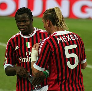 Taye Taiwo - Taiwo with Mexès (match Milan-Siena, December 17, 2011)