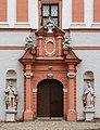 Michelfeld Kloster Portal 8151481.jpg