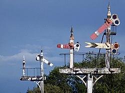 Midland Railway bracket signal (6160082790).jpg
