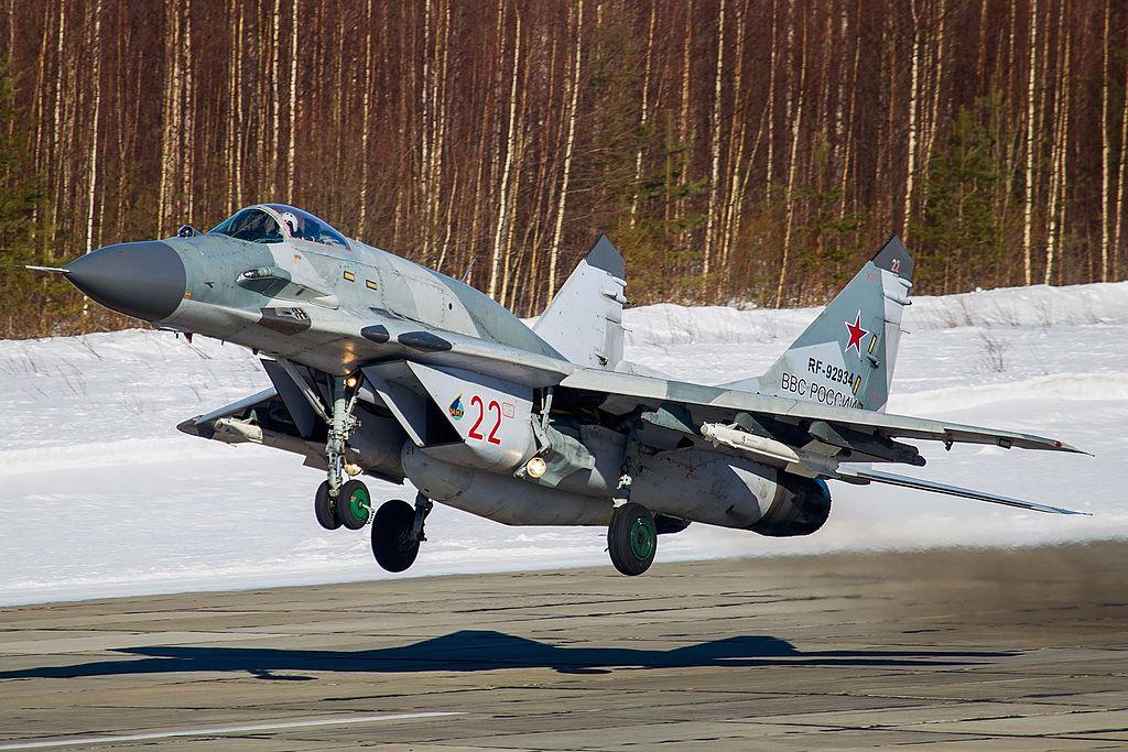 المقاتله العريقه Mig-29 Fulcrum  1024px-Mikoyan-Gurevich_MiG-29SMT_%289-19%29%2C_Russia_-_Air_Force_AN2269907