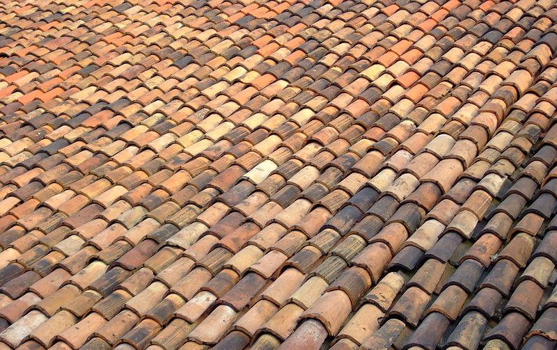 File:Milano Roof Tiles.jpg