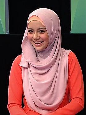 Mira Filzah on MeleTOP smiling.jpg