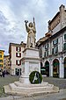 Monumento alla Bella Italia Piazza Loggia a Brescia.jpg