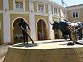 Monumento que muestra al Diestro Cesar Girón en plena faena, Torero que le da nombre a la Maestranza Cesar Girón de Maracay - panoramio.jpg