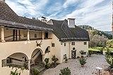 Moosburg Schloss 1 Schloss Süd-Flügel mit Laubengang 23102018 5128.jpg