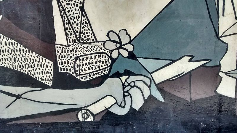 Datei:Mural réplica del Guernica en Santiago de Chile (Costado Liceo 7 de Ñuñoa)5.jpg