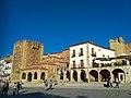Murallas de Cáceres, Torre de Bujaco y Ermita de la Paz.jpg