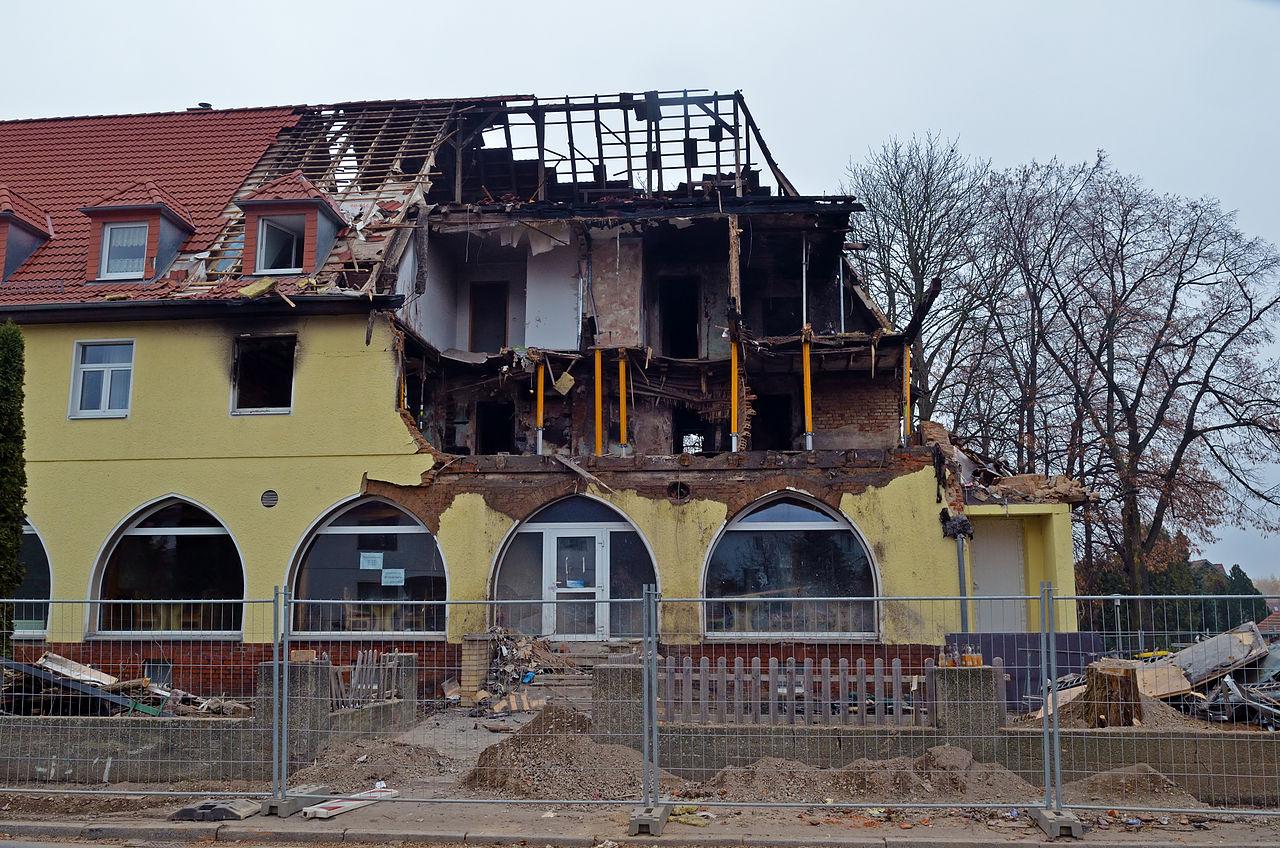 Nationalsozialistischer Untergrund - Explosion in Zwickau 2011 3 (aka).jpg