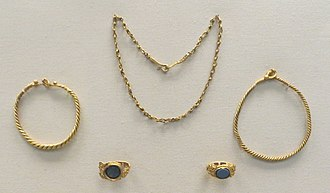 Newgrange - Gold jewellery from Roman times deposited in the mound (British Museum)