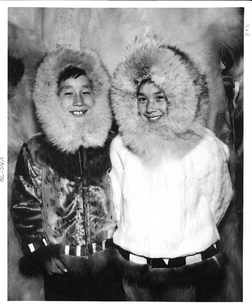 File:Nome children in their parkas.jpg
