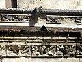 Noyon (60), cathédrale Notre-Dame, cloître, galerie ouest, corniche à l'extérieur (ainsi que celle du réfectoire).jpg