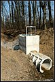 Ocsmány beton bunker a természet lágy ölén... - panoramio.jpg