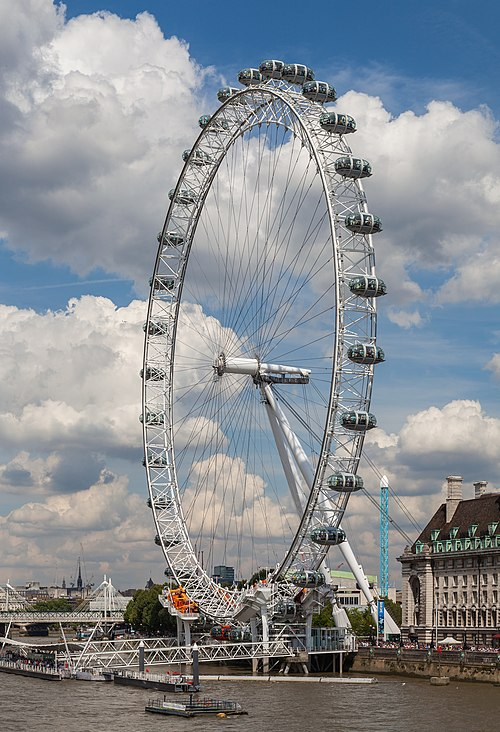 Supported by an A-frame on one side only, the Eye is described by its operators as a cantilevered observation wheel Ojo de Londres, Londres, Inglaterra, 2014-08-07, DD 028.JPG
