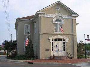 Columbiana, Alabama - Image: Old Shelby County Courthouse