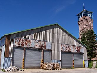 Hornisgrinde - Old hangar below the tower