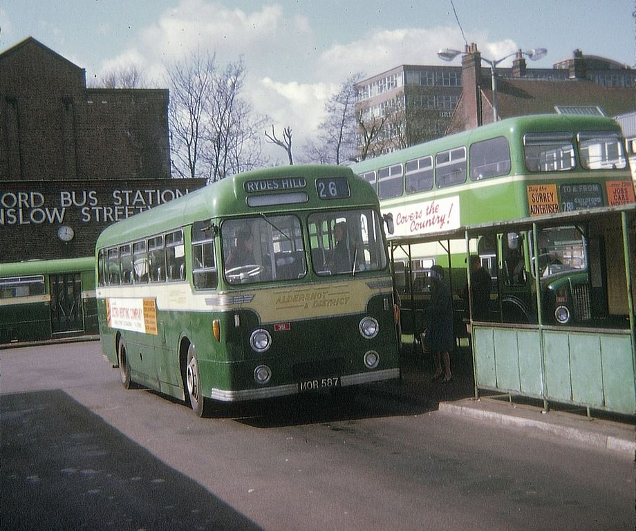 File:Onslow Street bus station, Guildford, 29 March 1972.jpg - Wikimedia Commons