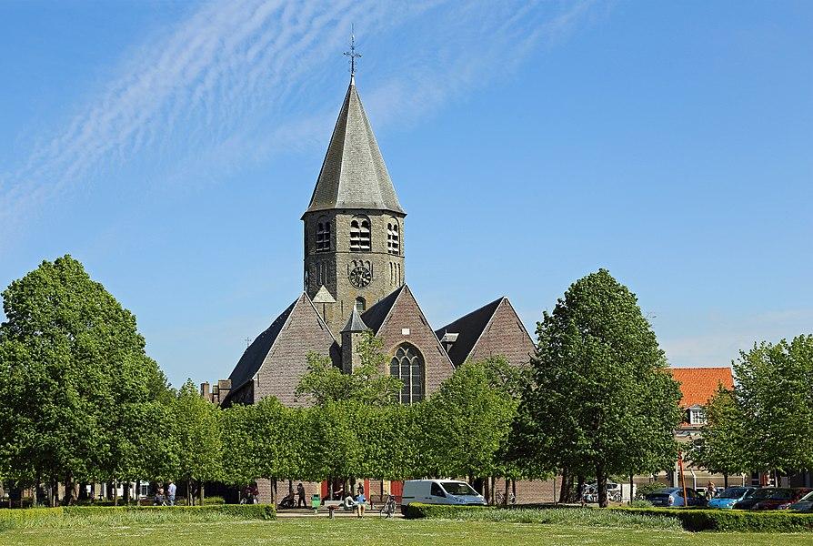 Oostkamp (province of West Flanders, Belgium): St Peter's church