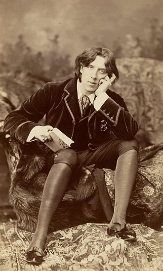 1882 in literature - Napoleon Sarony's portrait of Oscar Wilde