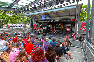 Corning Museum of Glass - Live Outdoor Hot Glass Show
