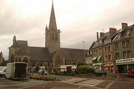 The church of Saint-Pierre-et-Saint-Paul on market day