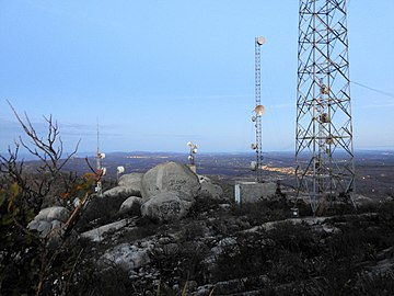 PEDRAS, ANTENAS, NO PICO DO JABRE.jpg