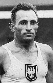 PIC 1-M-1222-4 Międzynarodowe zawody lekkoatletyczne na stadionie White City w Londynie 1936.jpg