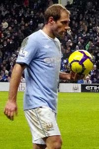 Pablo Zabaleta ready to throw vs Bolton.jpg
