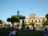 Palacio de Gobierno y Plaza de Armas.JPG