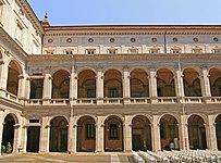 Palazzo della Sapiensa court