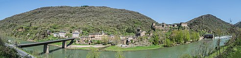 Panoramic view of Brousse-le-Chateau 01.jpg