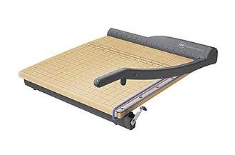 Paper cutter - A paper cutter