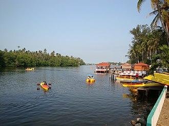 Paraíso, Tabasco - Kayak's in Puerto Ceiba.