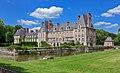 Parc-chateau-courances-essonne, autre vue de trois quart arrière cropped.jpg