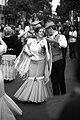 Pareja bailando Chotis en Madrid 01.jpg