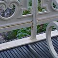Park, gedeelte van houten brug met ijzeren zijkanten, detail - Werkhoven - 20352029 - RCE.jpg