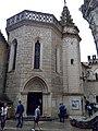 Parvis de la chapelle Saint-Jean-Baptiste.jpg