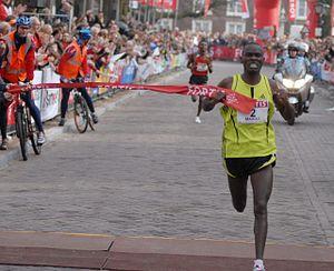 CPC Loop Den Haag - Patrick Makau winning in the Hague in 2008