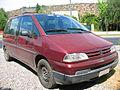 Peugeot 806 2.0i SR 1997 (15424215885).jpg