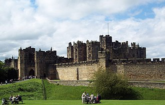 Born to Be King (Blackadder) - Alnwick Castle, used for location filming as King Richard's castle