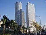 PikiWiki Israel 15638 Azrieli Towers in Tel Aviv.JPG