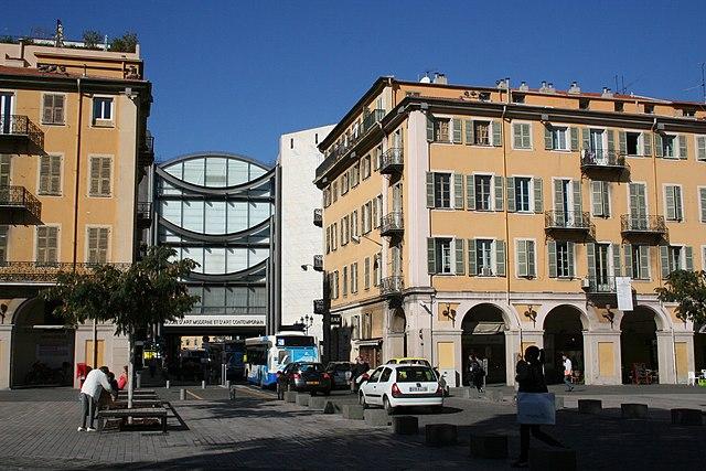 Летняя выставка, посвященная  l'Ecole de Nice, открылась в галерее МАМАС на Place Yves Klein