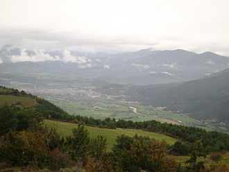 La Seu d'Urgell - Overview from Vilanova de Banat, showing the plana de la Seu, pla de les Forques, Castellciutat and other neighborhoods.