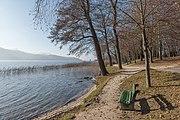 Poertschach Halbinselpromenade Landspitz Parkbank 10122015 9531.jpg