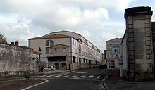 220px-Porte_B%C3%A9ligon_-_Zone_30_%C3%A0_Rochefort