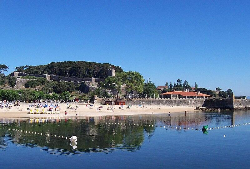 Archivo:Praia da Ribeira, Baiona, Galicia.jpg