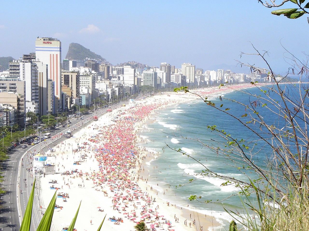 Praia do Leblon - panoramio.jpg